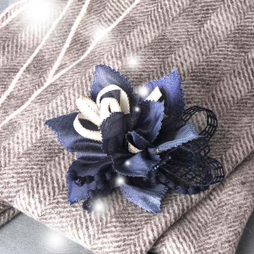 [corsage] Holiday corsage